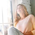 Mindfulness MBSR -menetelmässä harjoitellaan muun muassa huomion kohdistamista yhteen asiaan, kuten hengitykseen.