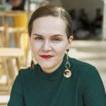 Toimittaja, kirjailija ja yrittäjä Ronja Salmi on ehtinyt paljon 25-vuotiaaksi. – Olen saanut kotoa rautaisen itseluottamuksen. Minun ei ole tarvinnut käyttää aikaani sen pohtimiseen, kelpaanko, vaan olen voinut tehdä asioita, joita olen halunnut, hän sanoo.