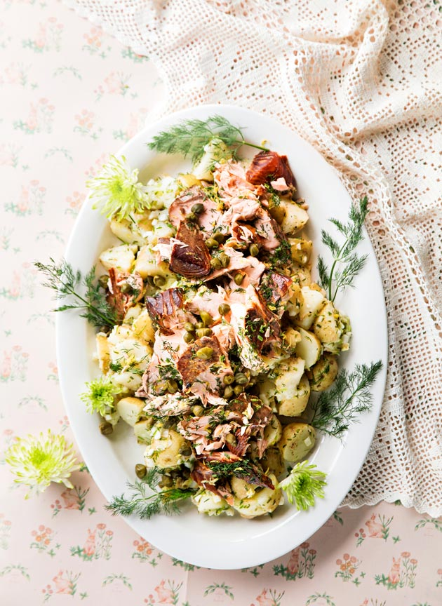 sitruunainen lohi-perunasalaatti