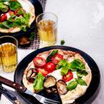 Kasvissyöjän unelma: grillipizza munakoisolla ja erilaisilla juustoilla!