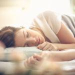 Kun ihminen on syvän unen vaiheessa, häntä on vaikea herättää.