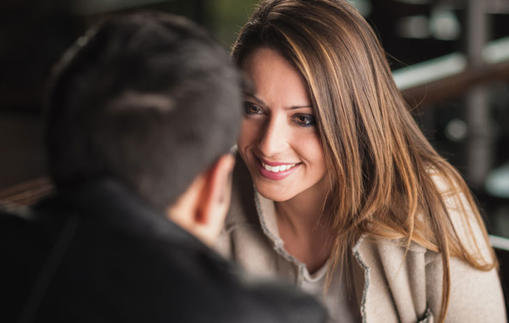 Makuuhuonesilmät: näin flirttailet katseellasi