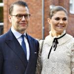 Kruununprinsessa Victoria luottaa H&M -merkin vaatteisiin, kuten kuvan pitsipuseroon.