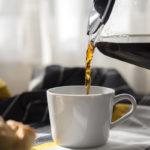 Kahvi maistuu paremmalta, kun kahvinkeitin on puhdas.