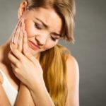 Narskuttelu eli bruksismi on monisyinen vaiva. Se voidaan todeta helposti hampaiden tarkastuksen yhteydessä.