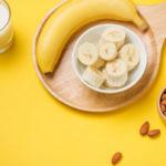 Kehon palautumista auttavat ruoat sekä nukahtamista helpottavat terveysherkut, kuten mantelit ja banaani, ovat hyvä lisä jokapäiväiseen ruokavalioon.