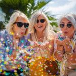Ystävyys on juhlimisen arvoinen asia! Ystävänpäivähoroskooppi kertoo, miten juuri sinun kannattaa ystävänpäivääsi viettää.