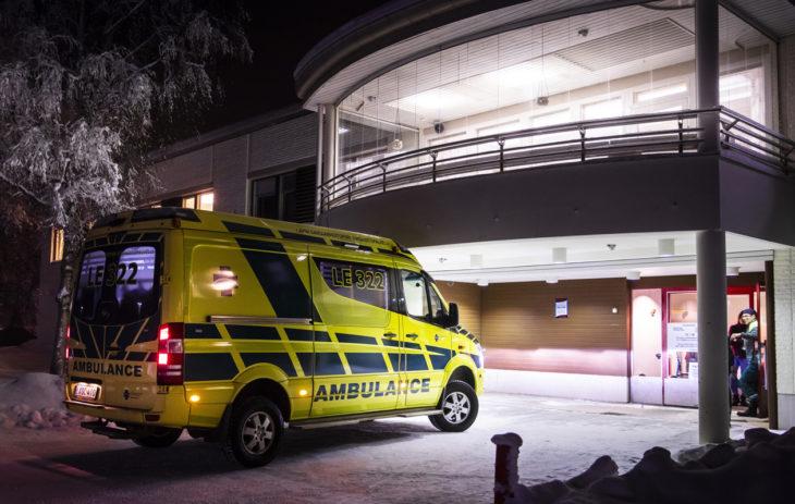 Inarin kunnassa on kaksi ambulanssia, jotka kuskaavat potilaita ympärivuorokautiseen lääkäripäivystykseen ja tarpeen mukaan myös jatkohoitoon muualle Suomeen.